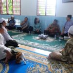 Suasana silahturahmi dengan Abuya di salah satu ruangan di pesantren